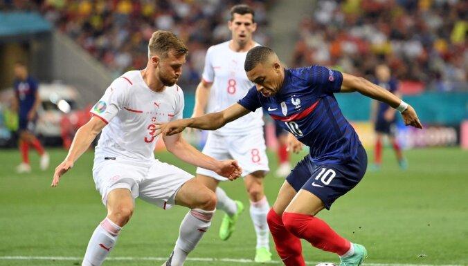 Francijas izlases treneris: komandā neviens nedusmojas uz Mbapē
