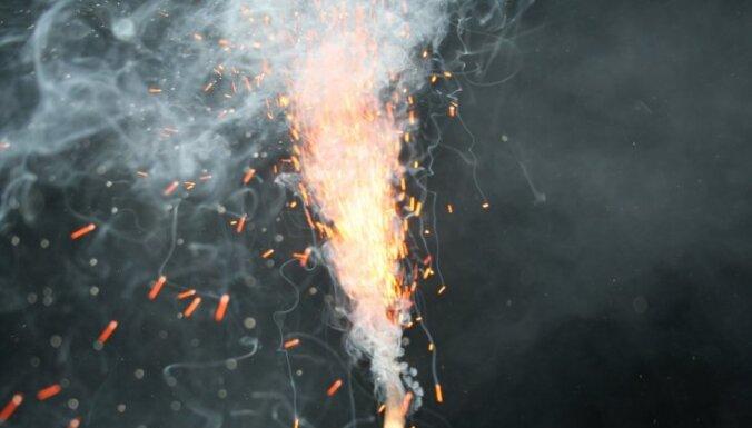 Без пожаров, оторванных пальцев и выбитых глаз: 9 советов любителям фейерверков