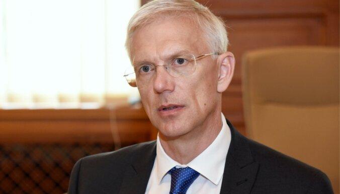 OIK komisija amatpersonu iztaujāšanu sāk ar Kariņu; Nemiro min risinājumu