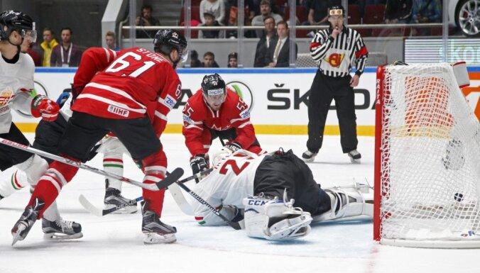 ВИДЕО: Канадцы, словаки и финны одержали в Питере вторые победы