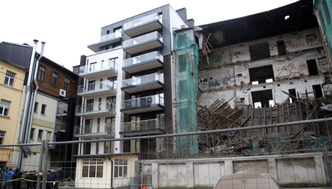 Частично обрушившуюся пятиэтажку в центре Риги вскоре снесут; начат уголовный процесс
