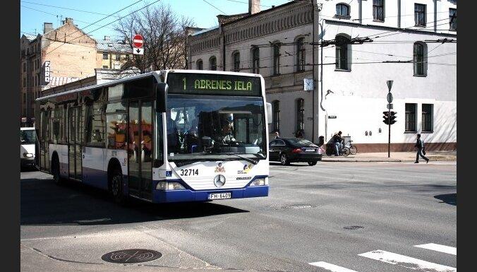Rīgā pieaugs sabiedriskā transporta biļetes cena