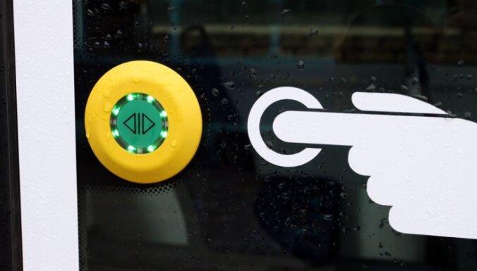 Līgo svētkos Rīgas sabiedrisko transportu un 'Rīgas satiksmes' autostāvvietas var izmantot bez maksas