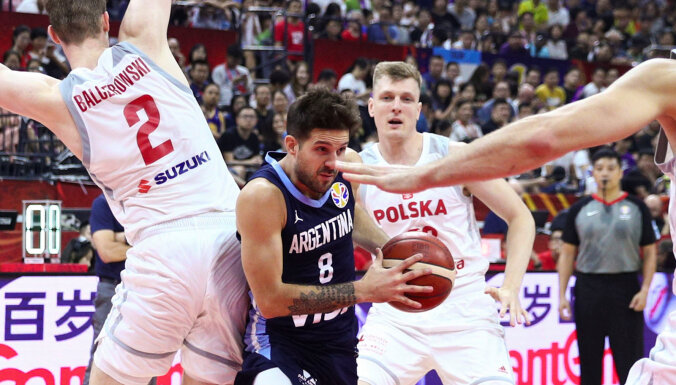 Argentīnas basketbolisti grauj Poliju un uzvar otrā posma apakšgrupā