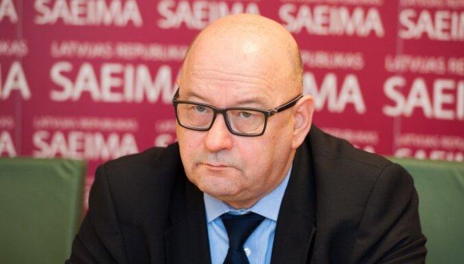 Сейм покинул исполнительный директор, а парламент ждет реорганизация