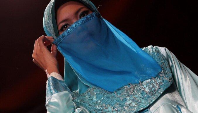 Ислам и селфи: иранские модницы снимаются без хиджаба и осваивают стритстайл
