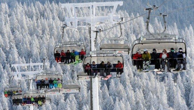 ASV kalnu pacēlāja avārijā ievainoti deviņi slēpotāji