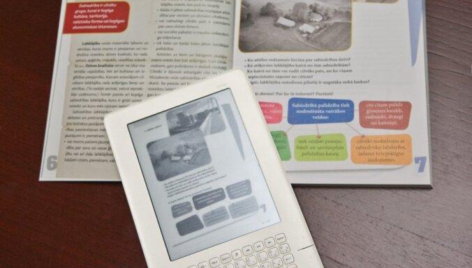 Eksperts: elektroniskās grāmatas būs nākotnes iespēja saglabāt latviešu valodu