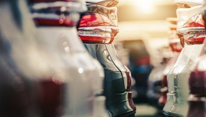 Automašīnām plāno būtisku nodokļu kāpumu 'rūpēs par klimatu'