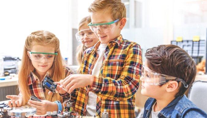 Sākusies skolēnu pieteikšanās 'Ēnu dienai 2020'