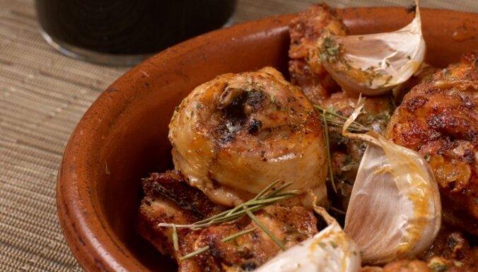 Куриные бедрышки в чесноке