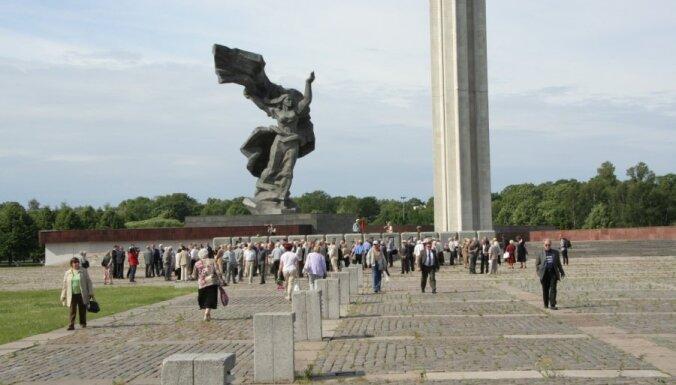 Снос памятника Победы в Риге: авторы идеи взяли паузу