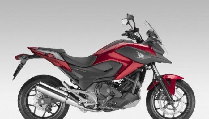 Pirmo reizi Latvijā izvēlēsies 'Gada motociklu'; kādi braucamie pretendē uz titulu?