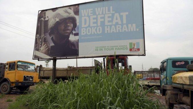 Nigērijā atbrīvotas vēl 82 'Boko Haram' nolaupītās skolnieces