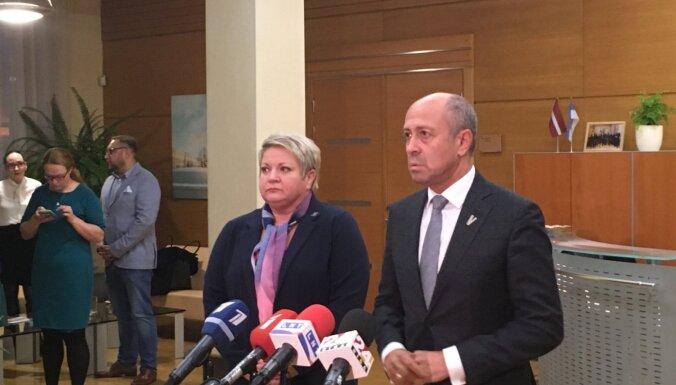 Burovs atceļ RNP valdi un atjauno atstādināto 'Rīgas centrāltirgus' vadību