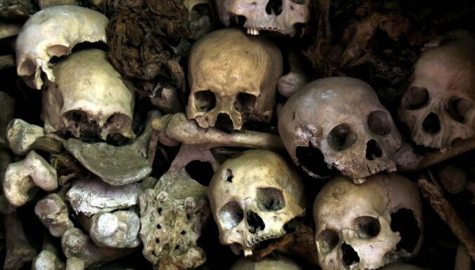 Kambodžas tiesa atbrīvo sarkano khmeru režīma 'pirmo lēdiju'