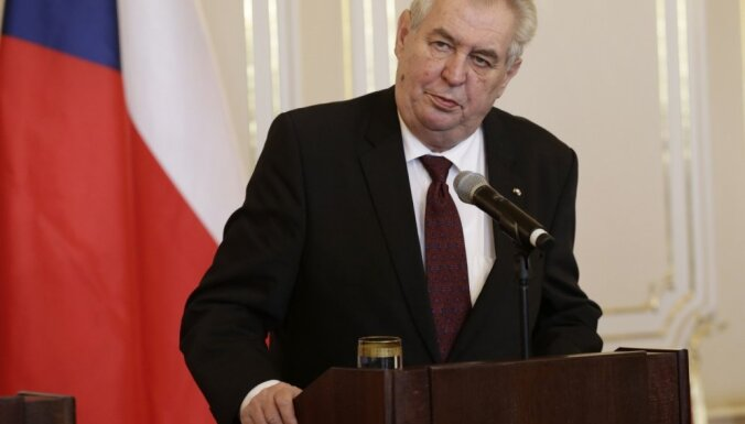 Глава Чехии: Есть две версии о причинах взрыва на складе боеприпасов