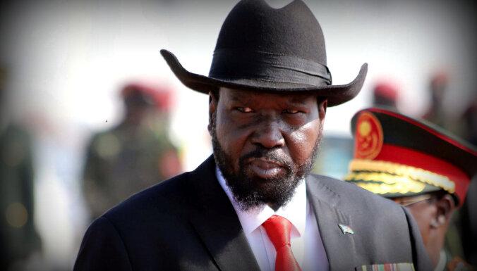 Dienvidsudānā liedz dziedāt himnu prezidenta Kīra prombūtnē