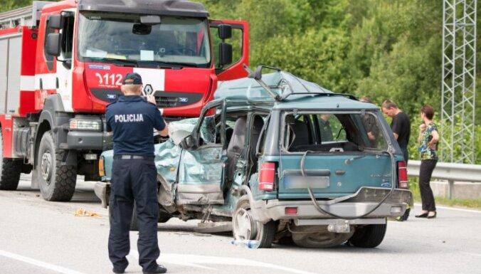Četru cilvēku dzīvības dzēsušais Tallinas šosejas posms nav bīstams, paziņo policija