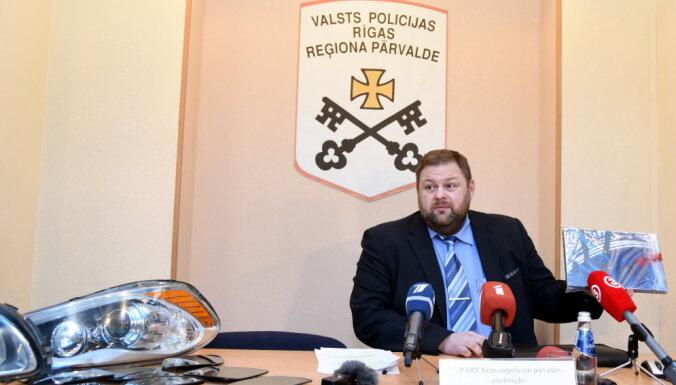 Iepriekš aizturētais Zemgales reģiona kriminālpolicijas priekšnieks Sozinovs pārtrauc dienestu policijā