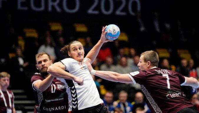 Latvijas handbolisti Eiropas čempionātā piekāpjas arī Nīderlandei