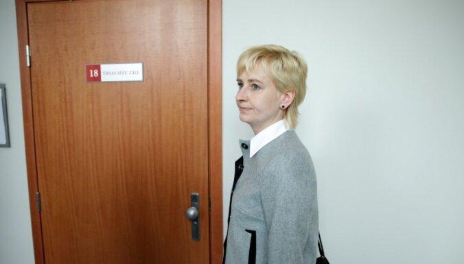 Strīķe tiesā uzvar Streļčenoku - stājies spēkā spriedums par viņas atjaunošanu amatā