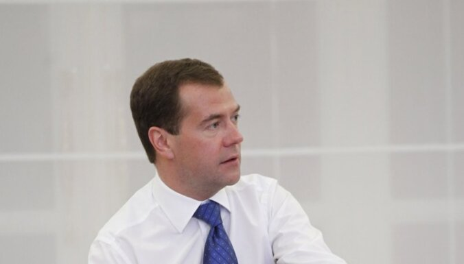 Medvedevs: politiskās sistēmas vecais modelis sevi ir izsmēlis