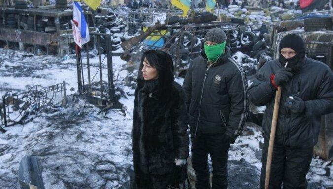 """Украинские таможенники заблокировали гуманитарные грузы для """"Евромайдана"""""""