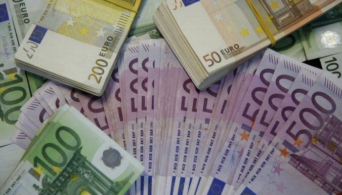 Минфин Латвии назвал причину почти половины всех отказов выплачивать пособие за простой