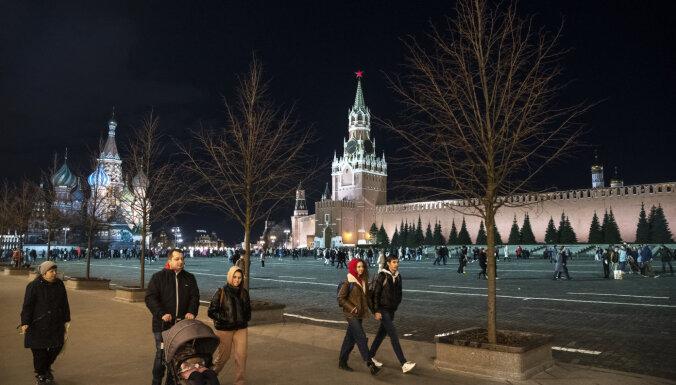 Krievijā Covid-19 upuru skaits joprojām tiek turēts noslēpumā, ziņo laikraksts