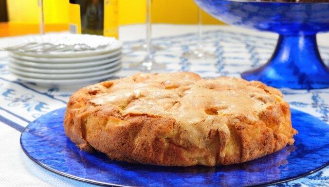 Ātrā ābolkūka cepeškrāsnī