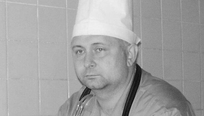 Omskā 55 gadu vecumā miris saindēto Navaļniju ārstējušais ārsts