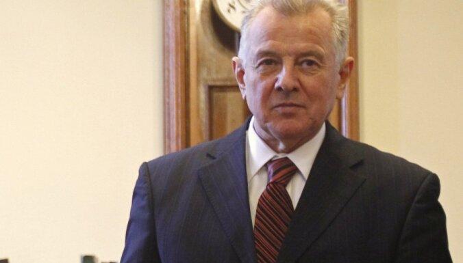 Sāk izmeklēšanu par plaģiātismu Ungārijas prezidenta doktora disertācijā