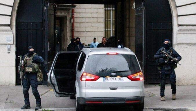 В парижском отеле Ritz ограблен ювелирный магазин: похищены украшения на 4 млн. евро