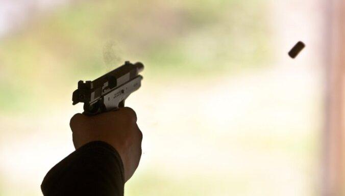 Kinoteātrī 'Forum Cinemas' nāvējoši sašauj vīrieti
