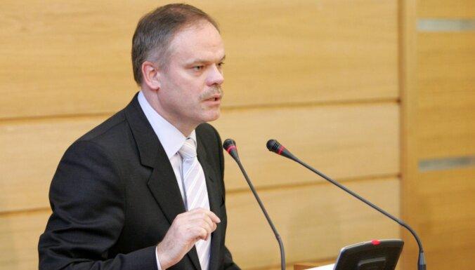 Ilggadējo Rīgas domes galveno juristu Liepiņu pārceļ darbā uz Pilsētas attīstības departamentu