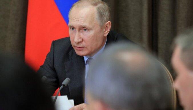 Krievija ražos aizliegtās raķetes, ja ASV izstāsies no kodollīguma, paziņo Putins
