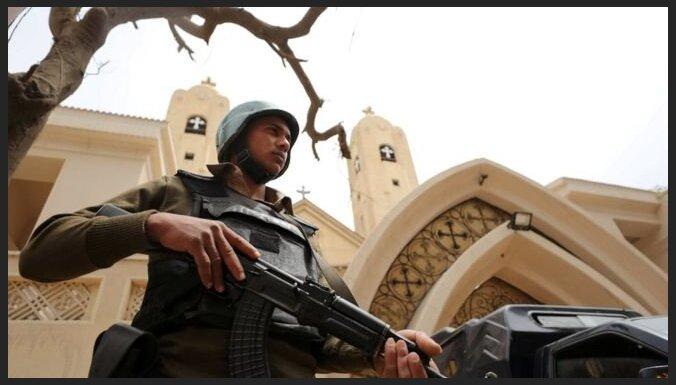 Боевики атаковали автобус с христианами в Египте, десятки убитых