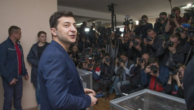 Зеленского обвинили в краже слов из речи Порошенко