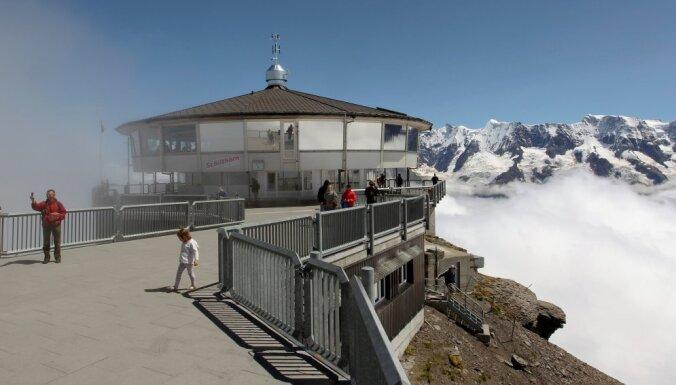 В Швейцарии 400 человек эвакуировали вертолетами после поломки фуникулера