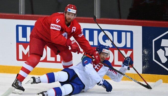 ФОТО, ВИДЕО. Первое поражение: российские хоккеисты впервые за 17 лет проиграли Словакии