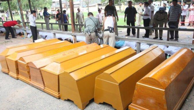 Pēc traģēdijas Kambodžā izsludinātas nacionālās sēras