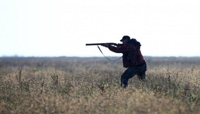 Ventspils novadā medību laikā sašauts cilvēks
