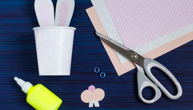 Uztaisi pats! Glāzītes zaķēnu veidolā, kur Lieldienās paslēpt bērnu kārumus
