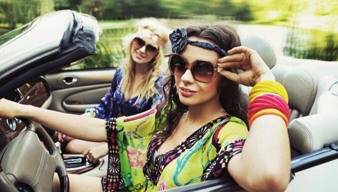 Привет, 60-е! Стилисты назвали самые модные тренды на осень 2021 года