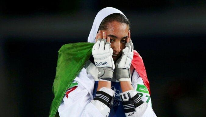 Irānas vienīgā olimpiskā medaļniece emigrējusi un kritizē režīmu