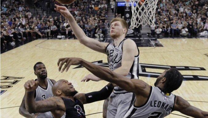 ВИДЕО: Бертанс дебютировал в плей-офф НБА