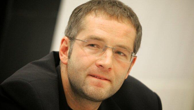 Domburs: Nav skaidra tiesas argumentācija apķīlāt žurnāla 'Ir' izdevēja aktīvus