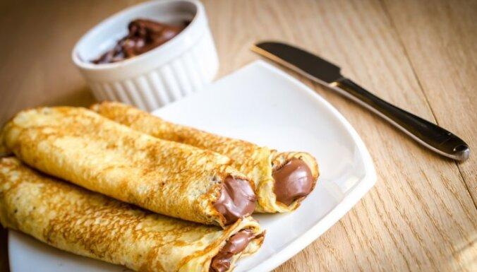 Plānās pankūkas ar šokolādes-riekstu krēma pildījumu