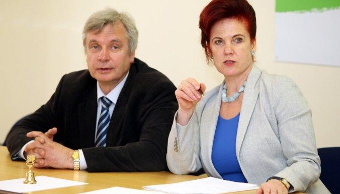 'Vienotības' vadība noliedz 'nelojālo partijas biedru' saraksta esamību